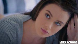 Image Novinha do olho azul em uma cena de sexo